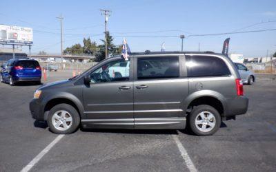 USED 2010 Dodge Caravan