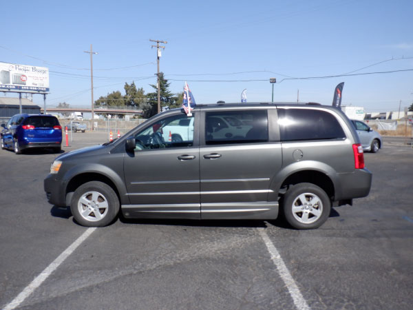 Used mobility van for sale - 2010 Dodge Caravan